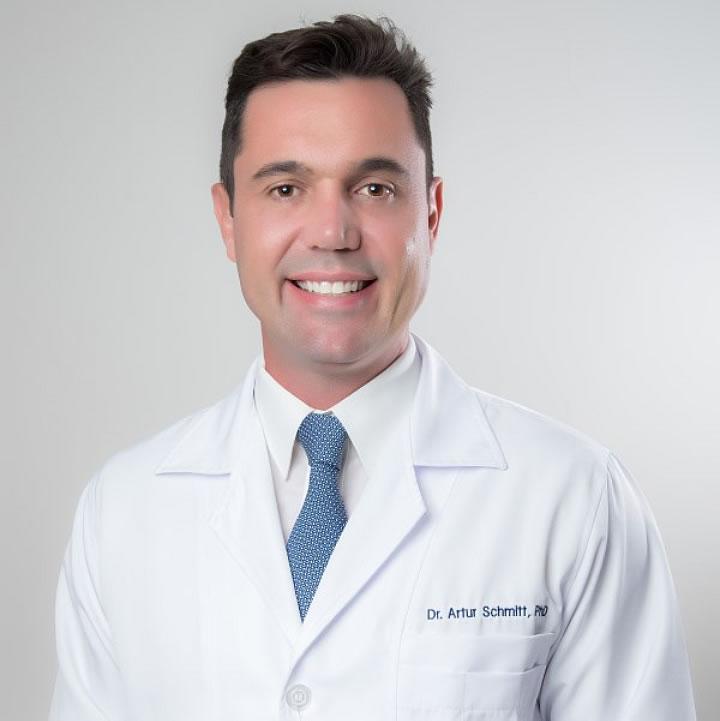 dr artur schmitt, especialista em lasik em curitiba